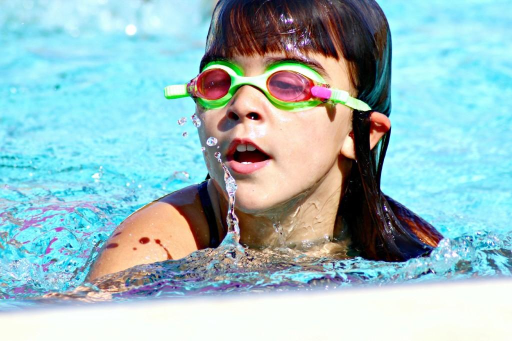 ninos-piscina1